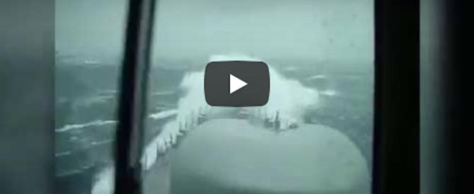 Le disperate ricerche del sottomarino San Juan nel mare in tempesta (video)