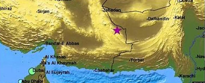 Terremoto in Iran, sono 12mila le case distrutte. I sopravvissuti nei campi