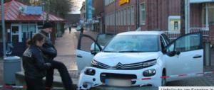 Terrore in Germania: siriano investe 6 passanti con l'auto (video)