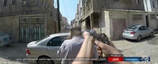 """L'Isis uccide una """"spia"""" e poi diffonde le foto. Ecco l'orrore in tre scatti"""