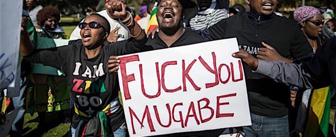 """Finita per sempre in Zimbabwe l'èra della """"black suprematist"""" di Mugabe"""