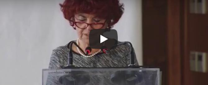 """Un altro strafalcione del ministro dell'Istruzione Fedeli: """"Più migliori"""" (video)"""