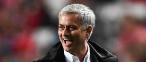 """Lo «United» le busca dal «City», Mourinho """"rosica"""" e finisce in rissa"""