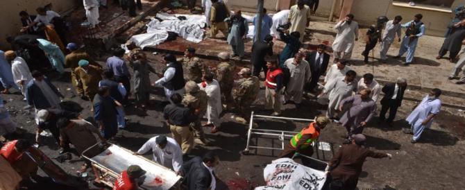 Pakistan, terrorismo anticristiano, 4 morti in un attentato contro una chiesa