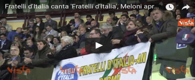 Brividi al PalaTrieste al momento dell'Inno di Mameli (video)