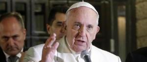 Bergoglio vuole cambiare il Padre Nostro: «La traduzione non va bene»