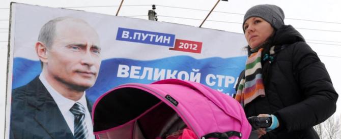 Putin vara il suo bonus bebè: alle mamme russe quasi uno stipendio