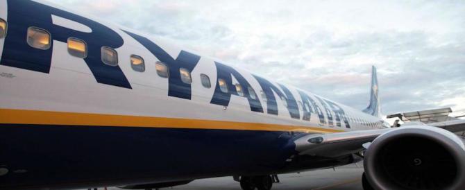 Ryanair rischia una multa da 5 milioni: non informa sui diritti dei voli cancellati
