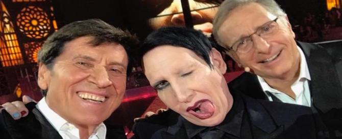 """""""Music"""": Morandi e Bonolis si fanno un selfie con Manson, l'anticristo. Ed è polemica"""