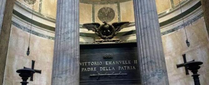 Vittorio Emanuele III torna in patria. Ma l'ipocrisia del governo gli nega il Pantheon