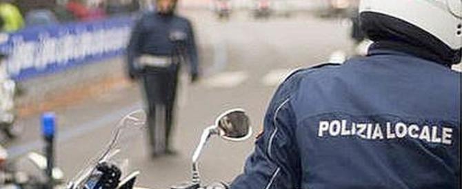 Roma, tumulti al centro per minori stranieri: agenti aggrediti con bastoni e sedie