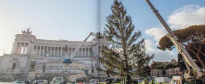 Roma 2017, un albero di Natale così brutto non s'era mai visto