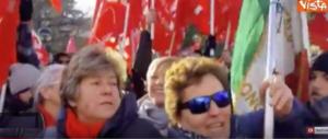 """La manifestazione antifascista? Solo una scusa per cantare """"Bella ciao"""".. (video)"""