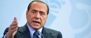 Berlusconi: «Nessuna firma anti-inciucio. Tra alleati basta la stretta di mano»