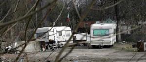 Roma, altra tegola sul Campidoglio: è caccia ai 500 rom con documenti falsi