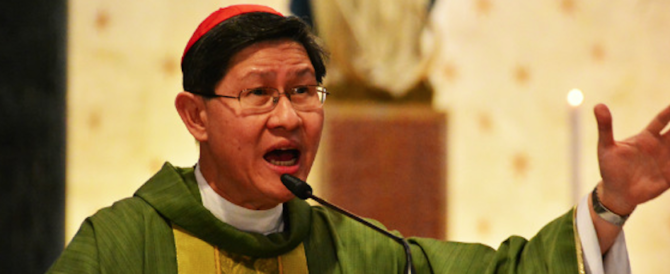 Ecco 5 cose da non fare a Messa: esce il prontuario vaticano per i preti