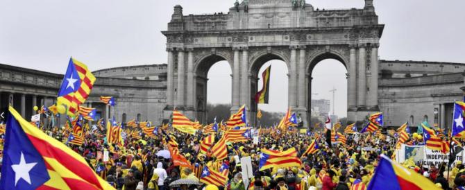 """""""Europa, svegliati"""": in 45mila in marcia a Bruxelles per la Catalogna"""
