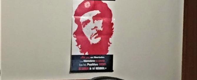 Bandiera del II Reich? E il criminale Che Guevara esposto negli uffici pubblici?