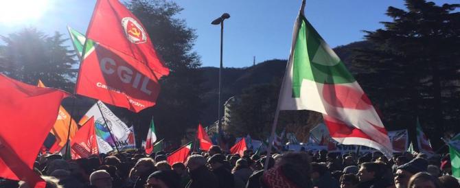 """Como, al via il raduno antifascista del Pd. Sinistra riunita sulle note di """"Bella ciao"""""""