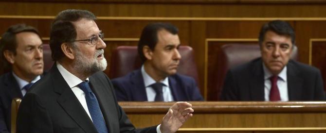 Spagna, il premier Rajoy e i socialisti vogliono cambiare la Costituzione