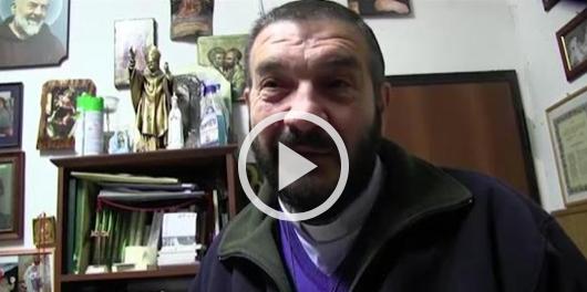"""Giochi """"satanici"""" a scuola: la preside chiama l'esorcista (video)"""