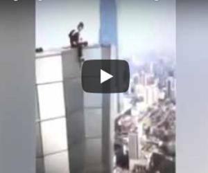 Free climber scala un palazzo di 62 piani poi precipita nel vuoto (video)