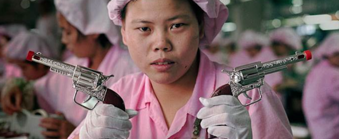 Aveva in magazzino 200mila giocattoli a rischio: denunciato imprenditore cinese
