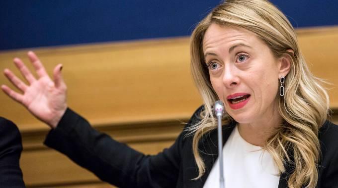 Sacchetti, Giorgia Meloni all'attacco: «È la tassa del Pd» - Secolo d'Italia