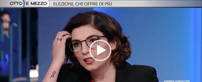 Euro, poche idee ma confuse: figuraccia della deputata grillina in tv (video)