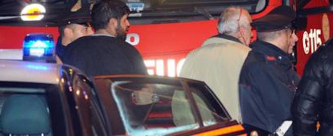Brucia vive dentro la macchina le due mogli che litigavano: follia in India