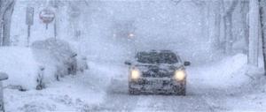 È allerta meteo per domani: neve, pioggia, ghiaccio, vento e mareggiate