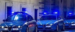 Roma, contro la polizia ora anche le molotov. Gasparri: «Gabrielli si scusi»