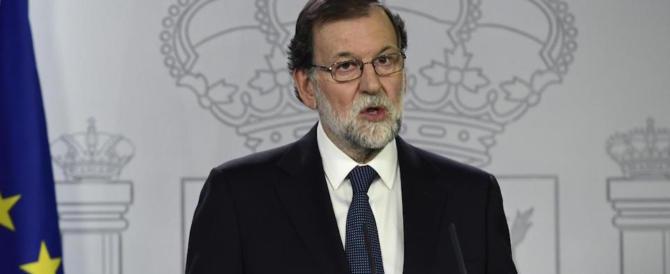 Catalogna, Puigdemont disposto a incontrare Rajoy. Il premier: non si tratta