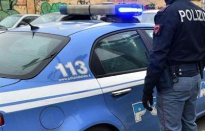 """Rom e senegalesi in azione, colti in flagrante ladri d'appartamento """"in trasferta"""""""