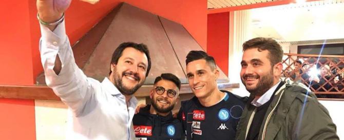 Salvini si fa un selfie con Insigne prima di Napoli-Juve. Ed è bufera