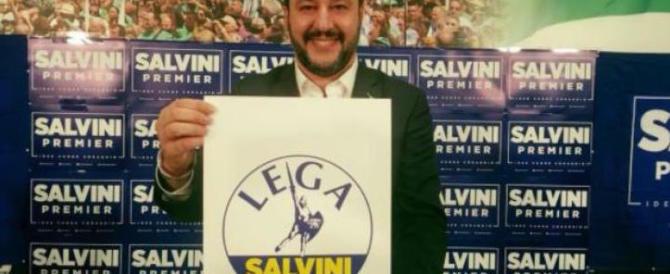 """Lega, niente più """"Nord"""": Salvini presenta ufficialmente  il nuovo simbolo"""
