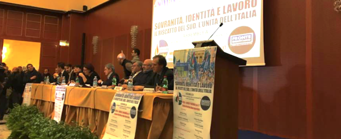 Sovranisti a Napoli, Alemanno: «L'Italia è una colonia, va liberata» (foto e video)