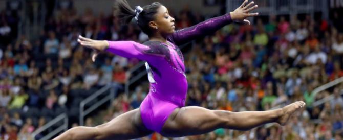 Simone Biles: #metoo. La ginnasta Usa denuncia gli abusi del medico della nazionale