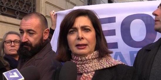 """«La Boldrini ci paghi i danni»: il sindaco di Busto furioso con la """"presidenta"""" (video)"""