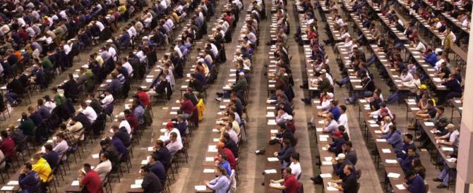 """""""Dottoressa, giù le mutande"""": perquisizioni choc al concorso per magistrati"""