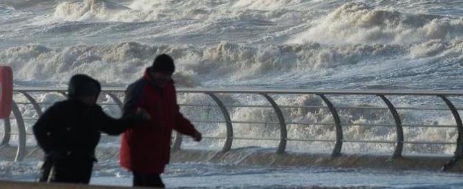 La tempesta Eleanor comincia a fare paura: è caos voli in Europa