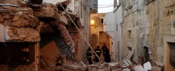 Lecce, esplode bombola di gas e crolla palazzina: 2 feriti, uno grave