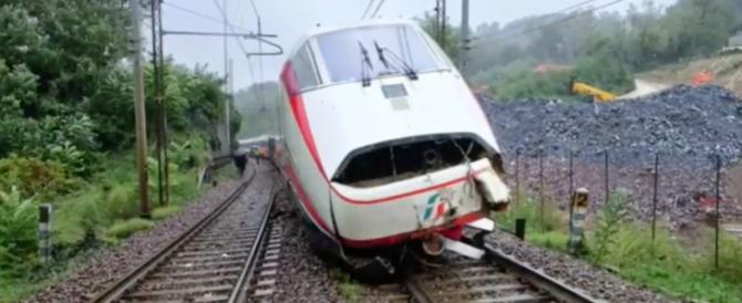 Treno esce dai binari, caos a Termini. Quanto sono sicure le nostre ferrovie? (video)