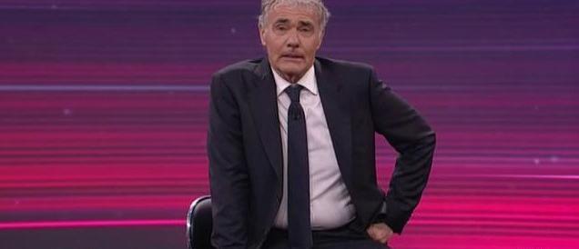 Paura per Giletti, malore in diretta: trasmissione sospesa (video)