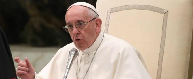 Papa Francesco: «Non pregate come pappagalli, dovete avere coraggio»