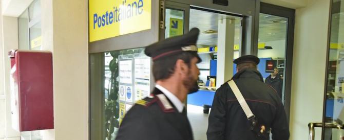 Roma sempre più violenta, rapinatori alle poste con fucili spianati