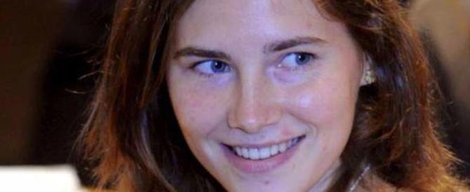 Ora Amanda Knox spiega nei college il delitto di Perugia: 8000 euro a lezione