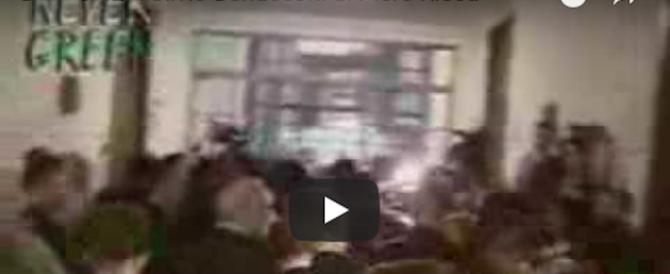 """Di Maio """"premia"""" l'esagitato che gridò a Berlusconi: «Fatti processare» (video)"""