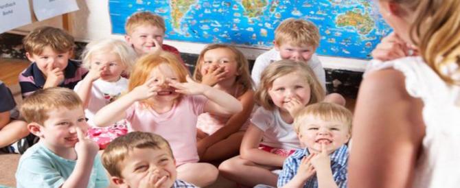 Giubbotti pieni di sabbia per placare bimbi iperattivi a scuola: bufera in Germania