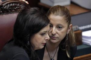 Roberta Lombardi con Laura Boldrini